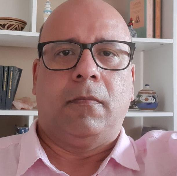 Professor Edgar Marques - Federal University of Rio de Janeiro